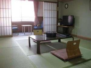 旅行人山荘:眺めの良い和室10畳