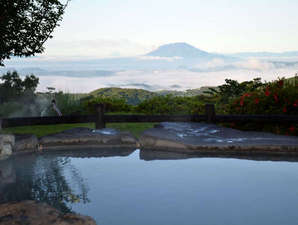 旅行人山荘:桜島を見下ろす絶景の大浴場