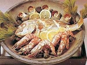 うずしお温泉 民宿 繁栄荘:名物の鯛の宝楽焼です。