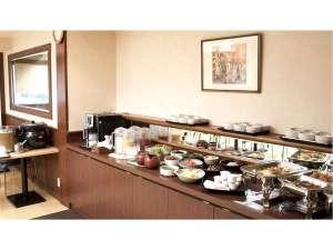 スマイルホテル日本橋三越前(旧「鴨川イン日本橋」):和朝食バイキング 7時から9時30分まで