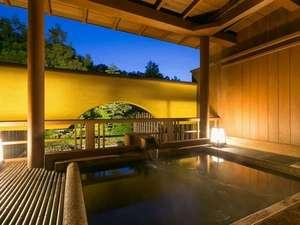 人気の露天風呂付き客室と美味に和む宿 かのうや:貸切露天風呂「睦み」