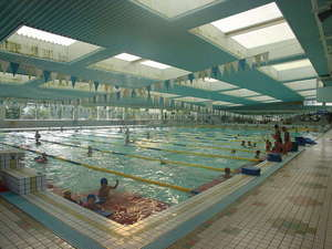 竹庭 清正乃湯:温泉プール 50m公認。大学、高校、スイミング等が合宿に多数(年間4,000人)利用しています