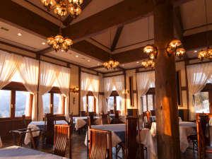 プラザホテル山麓荘 別館四季彩:レストラン「マゼール」