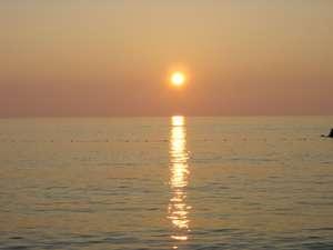 温泉民宿 しらはま屋:海岸まで徒歩2分です。