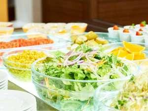 三井ガーデンホテル岡山:鮮度が違う。岡山県産にこだわった、産地から毎日届く新鮮野菜。営業時間6時30分~10時/最終入店9時50分