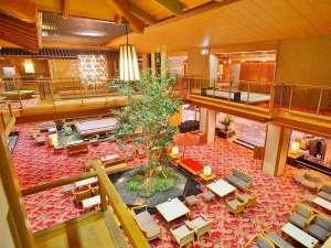 上諏訪温泉 浜の湯:【ロビーラウンジ胡蝶】落ち着きがありながらも華やかな空間