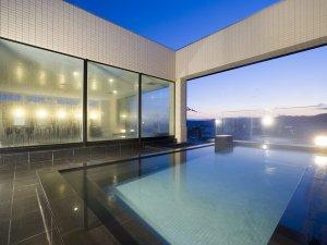 モンテインホテル:【展望露天風呂】夜景を一望できる展望露天風呂