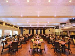 定山渓グランドホテル瑞苑:【フードファクトリー グランデュール】ゆったりとしたテーブル席