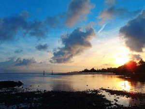 LIFE IS A JOURNEY:早起きしたらこんな奇麗な朝焼けが見れる日も。宿から歩いて20秒。