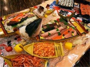 鬼怒川ロイヤルホテル:夕食バイキングメニュー例 お刺身船盛り(メニューは順次変更します)