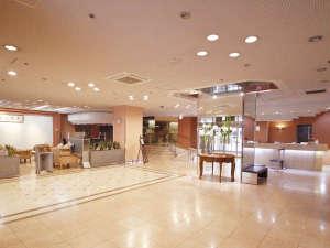 大分センチュリーホテル:ゆったりとしたロビースペースには喫茶もございます