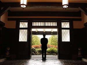 雲仙観光ホテル:一期一会に感謝し、すべてのお客様の心に残る幸せなひとときをお届けいたします。