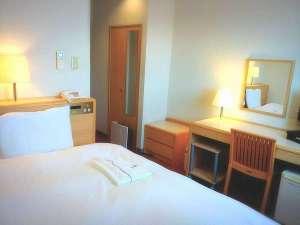 むつパークホテル:スタンダードシングルはアパホテルオリジナル「クラウドフィット」のダブルサイズベッドへ一新致しました。