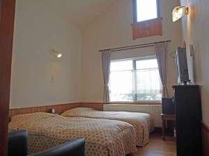 小さなホテル 四季の森 山荘