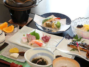 旭屋旅館:新鮮なお魚と小豆島特産の手延べうどん、瀬戸内の魅力がいっぱい詰まった夕食