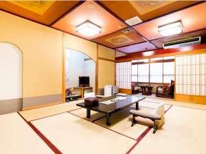 和室8畳【花客室】の一例。花客室は部屋食のタイプと個室食のタイプがあります。