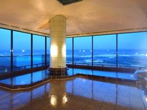 御前崎グランドホテル:太平洋一望の7F展望大浴場