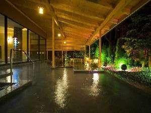 湯の川観光ホテル祥苑:2007年4月下旬にリニューアルオープンした「清涼の湯」の露天風呂です
