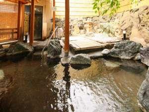 露天風呂の他、大浴場にあつ湯とぬる湯があります