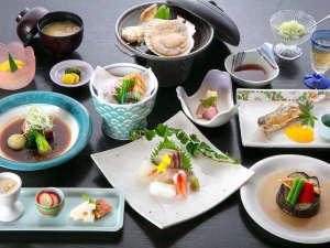 頼朝の湯 本陣:【夕食一例:梅コース】沼津港直送のお刺身盛りをメインとした、伊豆の季節の山海の幸を生かした創作料理