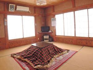 民宿朝日屋:【和室8畳/一例】一番人気!の和室はカップルさんからファミリーまで幅広いお客様に喜ばれています。