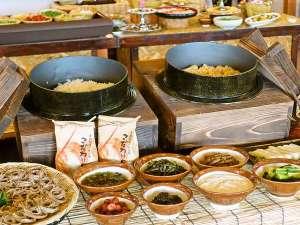 白馬姫川温泉 白馬ハイランドホテル:地元にこれだけおいしいものがあるんだから!漬物も発酵食品、体にいいもの尽くし