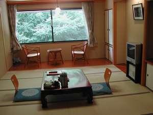 くらま温泉:和室10帖 ご夕食はお部屋出しでご用意致します。