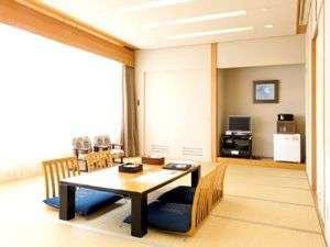 遊湯ぴっぷ:和室16畳 (3名~6名様まで) 広いお部屋でごゆっくりおくつろぎ下さい