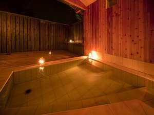 カントリーハウス 遊々舎:月明かりの夜には照明を消して月光浴を楽しめます。