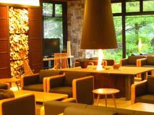 塩の湯 笑顔で若返る 新安比温泉 静流閣:ラウンジでコーヒーをどうぞ。