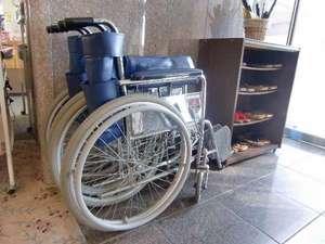 車椅子は貸し出し無料です