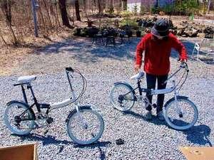 北軽井沢ブルーベリーYGH:無料レンタルサイクルが8台あります。これで観光地をまわれます。