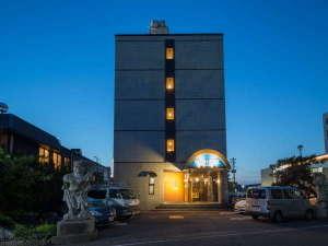 アパホテル〈燕三条駅前〉の写真