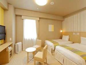 日和(ひより)ホテル舞浜(2017年4月28日オープン):【ツインルーム】琉球畳使用2~4名様までご利用可能。