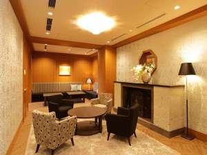 日和(ひより)ホテル舞浜(2017年4月28日オープン):【ホテルロビー】ソファー席あり、ゆったりと歓談いただけます。