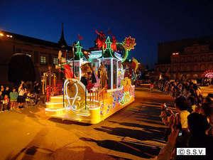 志摩スペイン村 夏のナイトカーニバル