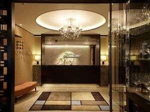 日比谷シティホテル:ちょっとゴージャスな雰囲気のレセプション