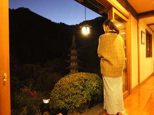 西秩父 山あいの宿やしき:日本庭園を眺め、ゆったりとしたひとときを。