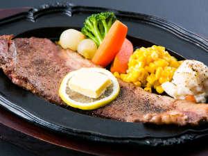 フォレストリゾート コニファーいわびつ:特別注文料理:上州牛のステーキはご当地グルメとして、ぜひご賞味ください♪
