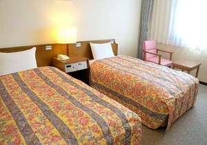 ビジネスホテル コスモス徳島:広々スペースの『ツインルーム』
