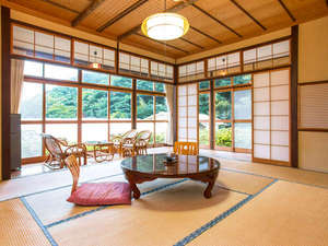 田沢温泉 富士屋:*10畳角部屋トイレ付/眺めのいいお部屋です。