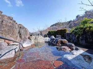 田沢温泉 富士屋:*【真珠の湯・露天】2本の源泉のうち露天風呂は不老長寿の仙人湯を源泉かけ流しでお楽しみください。