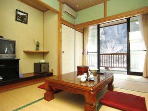 旅館 山林閣:客室一例(7.5畳)