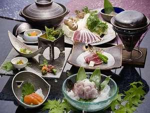 蓼科高原 寛ぎの宿 澤右衛門(さわえもん):前菜、お造りから澤右衛門名物「鴨鍋」まで、締めくくりは雑炊がおいしい