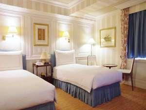 ホテルニュータガワKOKURA:【ツイン】ゆっくりと一日の疲れを癒してくれる、落ち着いた空間。