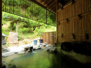 旅館 内田屋:虚空蔵尊から湧き出る源泉100%の温泉でごゆっくり…