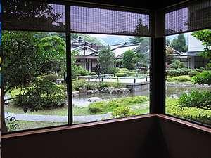 三朝温泉 三朝のお宿 斉木別館:広大な日本庭園