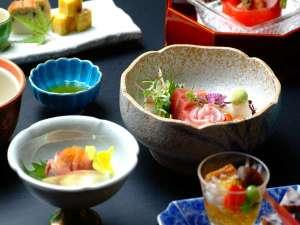 箱根湯本温泉 湯さか荘:季節替わりの和食膳