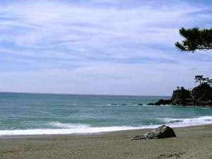 かに・荒磯料理 志麻:徒歩5分海岸。日本海