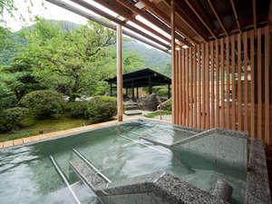 庄川温泉風流味道座敷ゆめつづり:ゆっくりと寛いでいただくために低めの湯温設定の「ゆめの湯・寝湯」